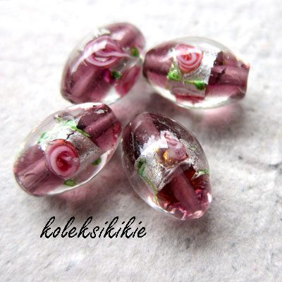 Manik Kaca (Glass Beads)