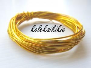 kawat-1mm-kuning-emas