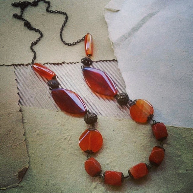 Long necklace With stone beads Http://koleksikikie.com #beads #necklace #kalung #kalunghandmade #jewelry #handmadejewelry #diyaccesories #accesories #koleksikikie