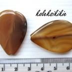 batu-tetes-coklat