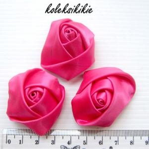 mawar-kuncup-kecil-fuschia