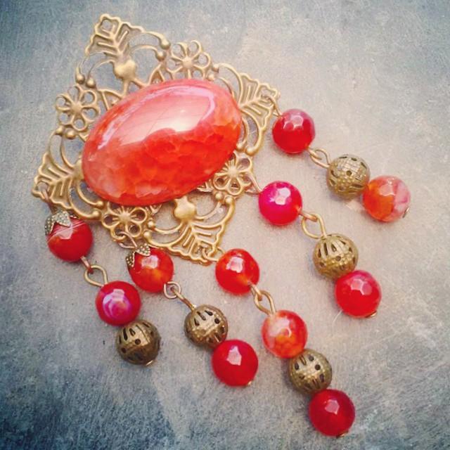 The Red brooches Rp 45.000 Http://koleksikikie.com/toko  #brosmanik #brosetnik #etnik #koleksikikie #bahancraft #batualam #accesories #handmade #handmadejewelery