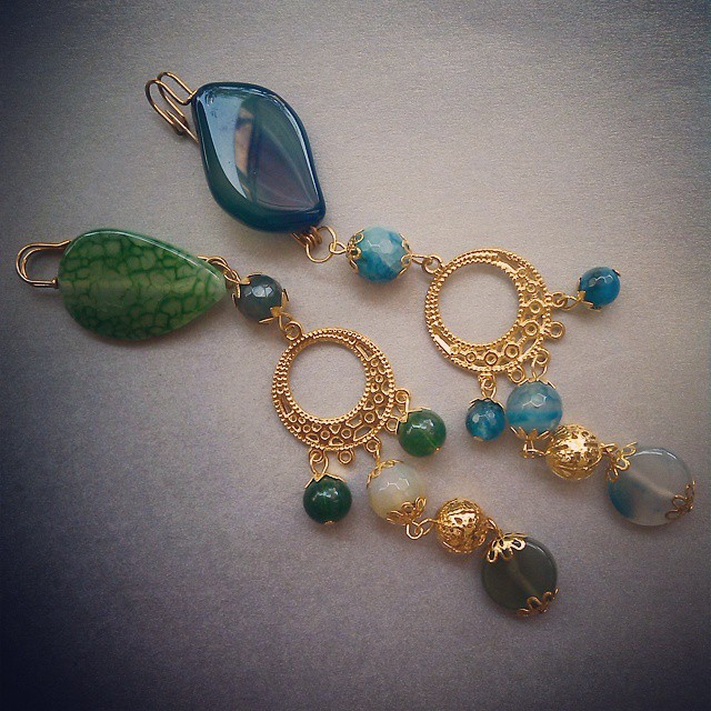 Gorgeous pins for your hijab Rp25.000 each More collection visit Http://koleksikikie.com  #handmadejewelery #handmade #koleksikikie #accesories #beads #stone #jualaksesoris