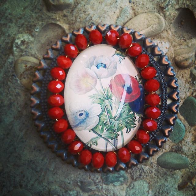 Vintage brooches Rp 75.000 Http://koleksikikie.com  #handmadejewelery #handmade #jeweleries #jewelery #koleksikikie #manikmanik #jualaksesoris #jualcraft