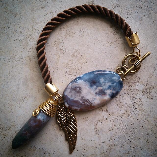 Cloud Bracelet Rp50.000 Http://koleksikikie.com/toko  #handmadeaccesories #bracelet #gelangbatu #gelanghandmade #handmadebracelet #koleksikikie #aksesoris