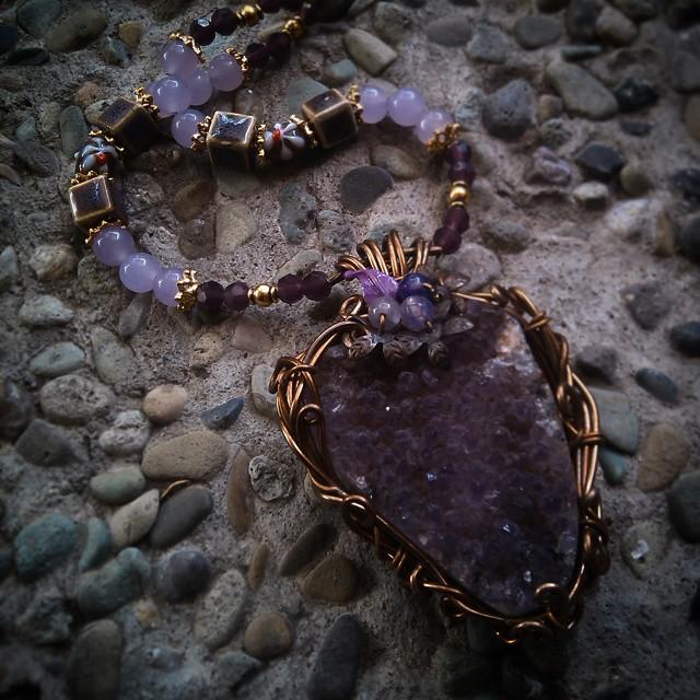 Purple druzy Rp250.000 Http://koleksikikie.com  #wire #wireworking #artwire #art #koleksikikie #beads #manikmanik #druzy #pendant #handmadenecklace #handmadeaccesories