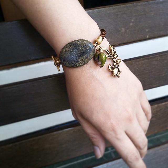 Green lily Rp35.000 Http://koleksikikie.com  #handmadeaccesories #handmadebracelet #gelanghandmade #gelangbatu #gelangmanik #koleksikikie #jualgelang #beads