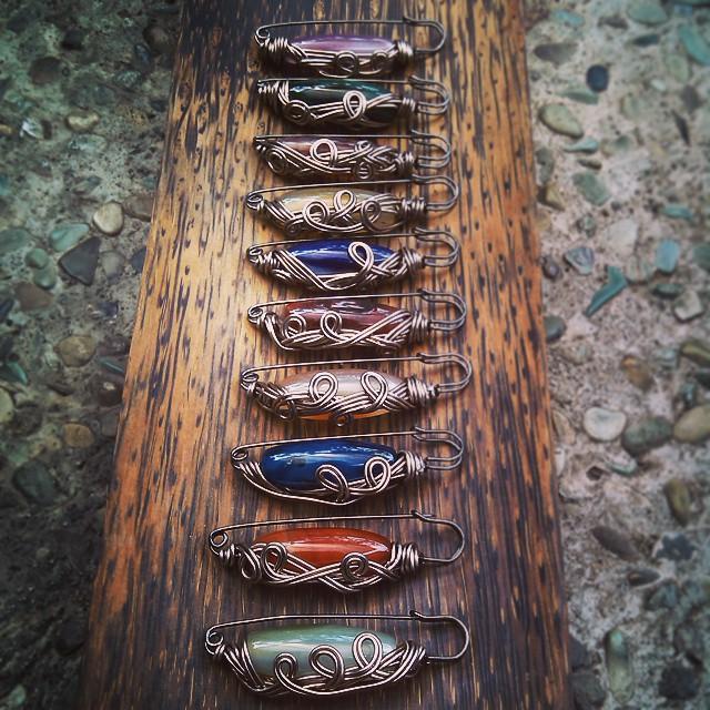 Peniti etnik wire Rp15.000/buah Http://koleksikikie.com  #peniti #penitidagu #brosmanik #brooch #pin #koleksikikie #bros #brosetnik