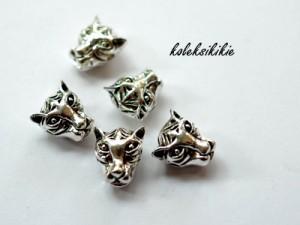6-tiger-beads