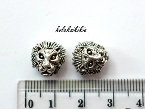 lion-beads-silver