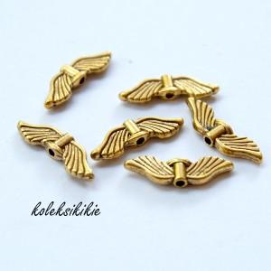 pembatas-gold-sayap