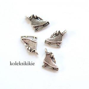 CS-sepatu-skating