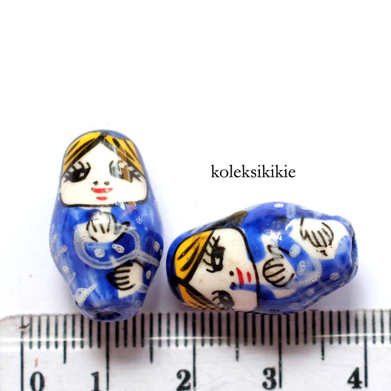 keramik boneka rusia biru tua
