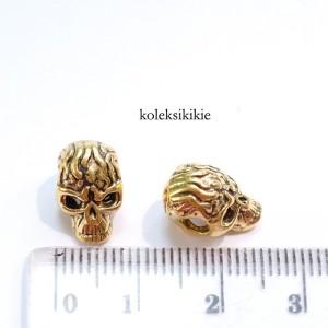 pembatas-skull-gold