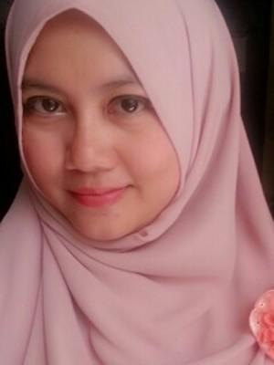 10.-Dyah-Risnawati---Surabaya