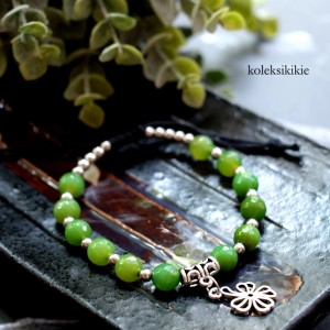 gelang-tali batu-hijau
