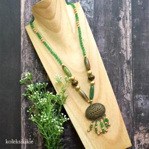 kalung-batu-kiluan-hijau
