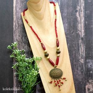 kalung-batu-kiluan-maroon