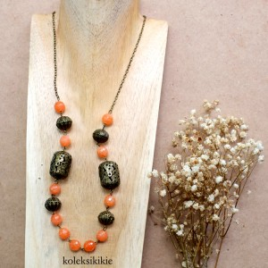 kalung-batu-malalo-orange