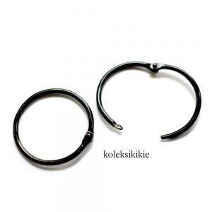 ring-kunci-hitam