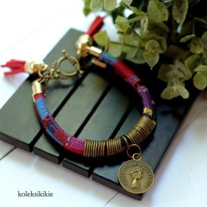 gelang-tenun-ishana-merah