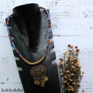 kalung-tenun-biru-tua