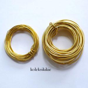 set-kawat-kuning-emas
