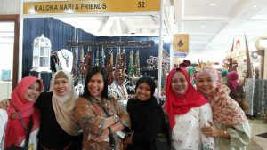 Umi Rosyidah and friends