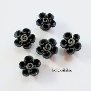 clay-keriting-hitam